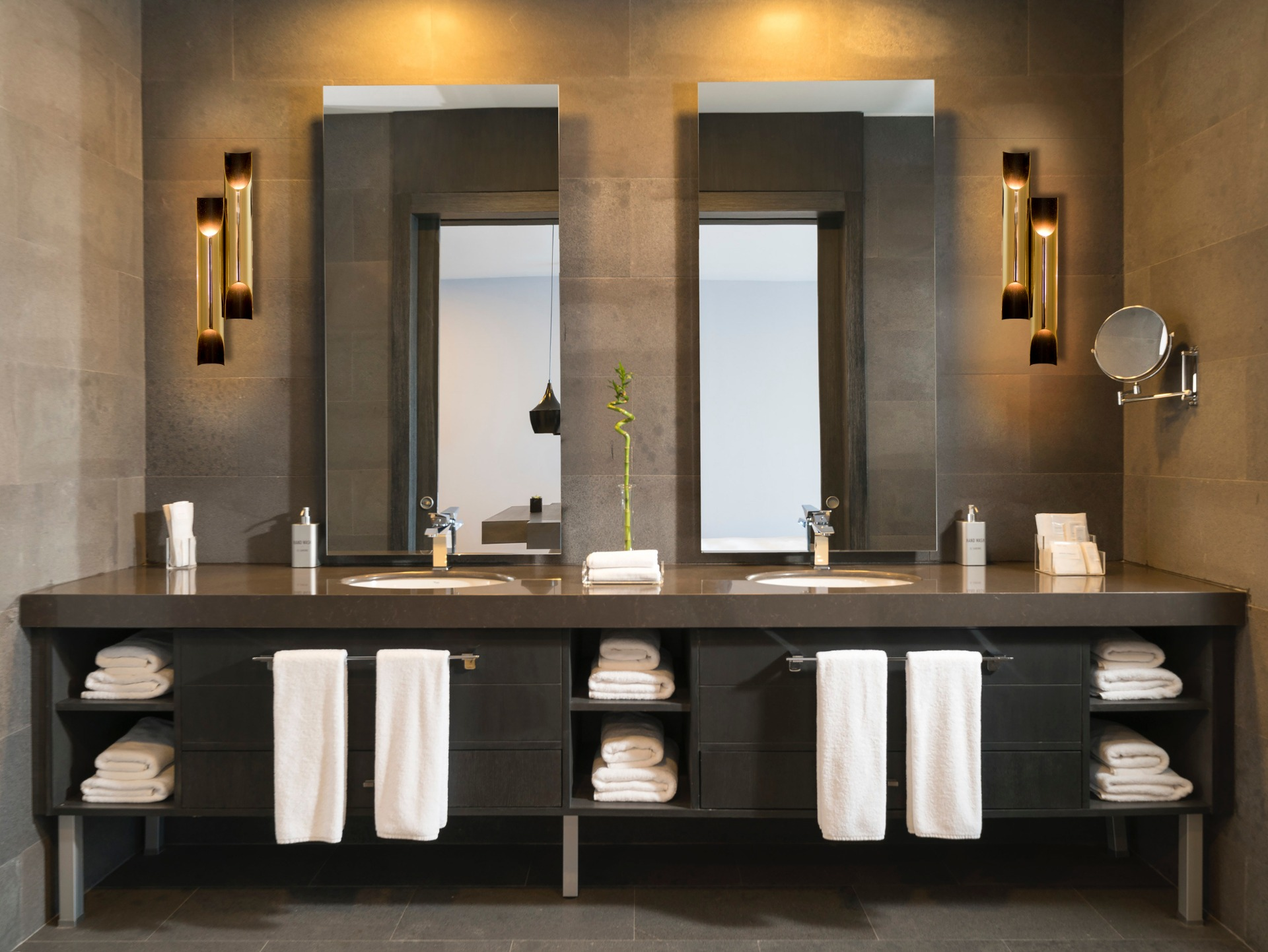 Modish bathroom featuring the Galliano Wall Lamp from DelightFULL